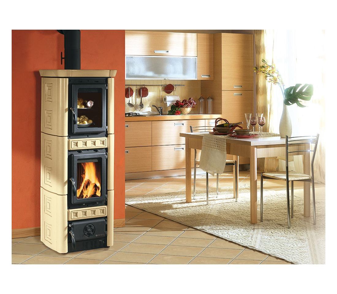Stufa a legna gaia con forno la nordica extraflame - Nordica stufe a legna con forno ...